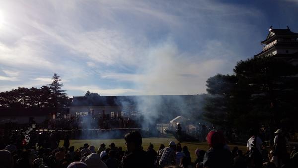 帰陣式完了の号砲!会津祭り。 http://t.co/OGc3ZQiVPh