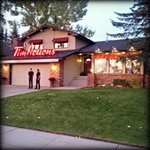 RT @TimHortons: This morning a #YYC neighbourhood woke up to a big surprise! It's a house, it's a Tims, it's the #TimsNextDoor. http://t.co/bfSgbl5UYV