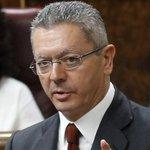 RT @rtve: #ÚltimaHoraTVE Gallardón presenta su dimisión como ministro de Justiciar. Ampliaremos http://t.co/DIMK2xRNk0 http://t.co/XYZNhD9Plv