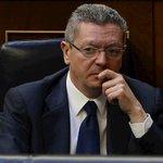 RT @rtvees: [Noticia] Gallardón dimite como ministro de Justicia y deja la política http://t.co/TjXI9RcSlj http://t.co/IPmEoC0lBa
