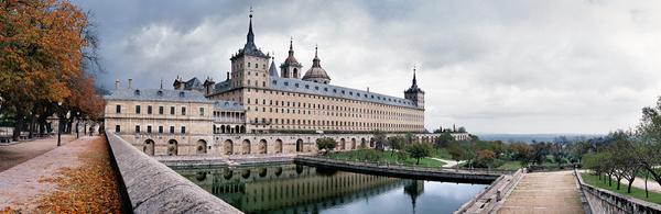 Los 12 lugares que no puedes perderte en tu primera visita a Madrid http://t.co/v5wNTvYTvd http://t.co/etJtT08eOa