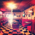 RT @DowntownVentura: Busy Bee Cafe 3-12pm Fri Night 2 for $20: 2 cheeseburgers & 2 hot fudge sundaes Photo @noresely #downtownventura http://t.co/8H0aL5XSme