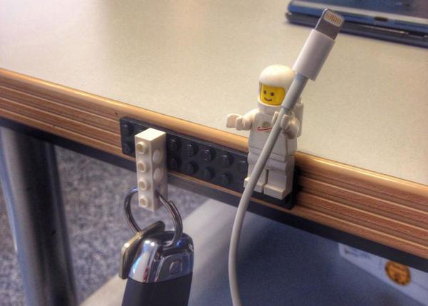 Did you know? LEGO Figures Make Perfect Cable Holders http://t.co/WtWsizdlzB http://t.co/gL8Jksf5su