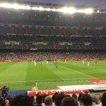RT @charliebrown912: En vivo desde el Santiago Bernabéu. #RealMadrid @LArteaga8 @luiselva @SCHernandezM http://t.co/Jwe8zd18yb