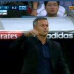 Aquí la noticia es que Mourinho ha vuelto al Bernabéu. http://t.co/3SyzlO3moU
