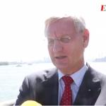 """RT @Expressen: Bildt: """"Vad för tokskallar har tillfrågats?"""" - angående partiledarfrågan i M. #svpol http://t.co/s9NGoEVhac http://t.co/XVnSC6iukR"""