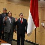 Samir Gozaine, Néstor Guardia y Rubén De León, del PRD, son juramentados en la Asamblea. LA PRENSA/Tito Fernández http://t.co/G3Dc3KXlkF