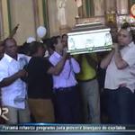 Con fuertes medidas de seguridad se dieron las honras fúnebres de familia asesinada en La Chorrera la semana pasada. http://t.co/FyCiBPAVpS