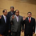 RT @prensacom: Con la juramentación de Gozaine, Guardia y De León, hay 60 diputados. LA PRENSA/Tito Fernández http://t.co/0Q2YA0rq3Z http://t.co/eFBL7EL7PG