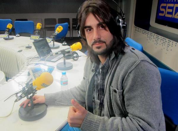 .@MelendiOficial responde a los últimos rumores...¡Cantando! #OtroLíoDeMelendi http://t.co/eZJMjca8mL ¡Escúchalo! http://t.co/9uGWOKwIrd