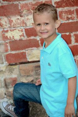 Murray Spartans' football team support a 6-year-old fighting cancer.  http://t.co/WkJgGzEn15 http://t.co/vq2OXVrXnM