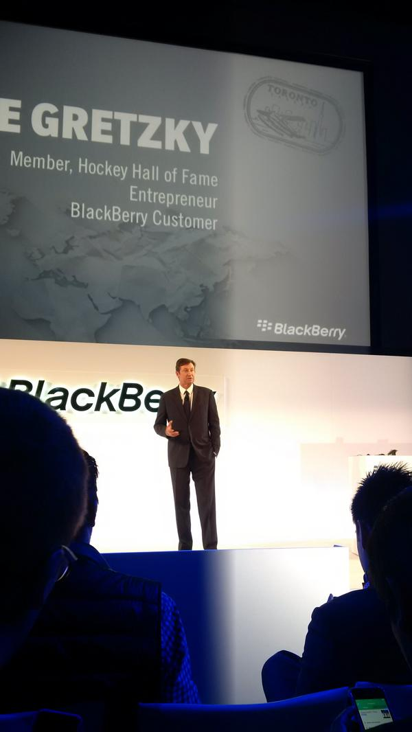 Wayne praises @BlackBerry and the hub. http://t.co/7SwkxUhIkP