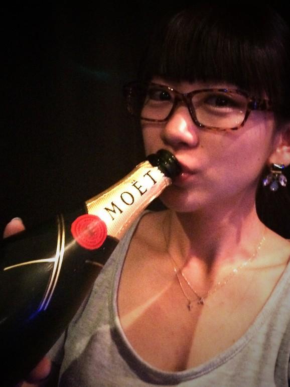 時東ぁみ (@aMITOKITO): 27歳になりましたぁー(((o(*゚▽゚*)o))) わーい!わーい!! http://t.co/9A09ks1d3c