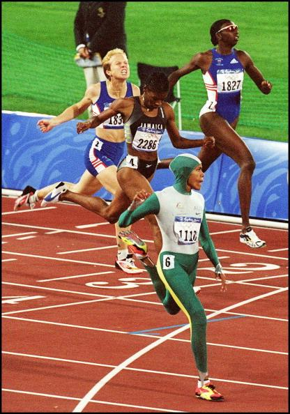 14 yrs ago today we cheered as @cathyfreeman won gold at the 2000 Sydney Olympic Games!  Where were you when she won? http://t.co/lgd4M7x44q