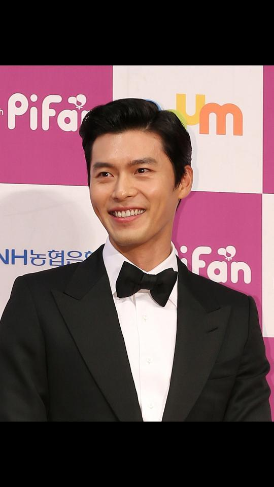 Happy birthday Hyun Bin. I hope you can be the main cast again in new drama like Secret Garden. Miss you #hyunbinday http://t.co/URyrGKFOEn