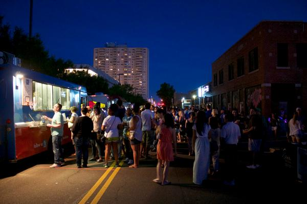 Who's excited for @h_n_8th tomorrow? Some of our favorite food trucks- http://t.co/EClgj6v8QX http://t.co/BXcXZ2ugcc