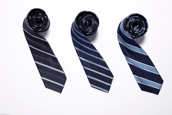 Tweet #EsquireMensWearhouse for a chance to win 3 ties and 3 shirts from @menswearhouse  http://t.co/NFxrLJLtZD http://t.co/3eX9ou4ufF