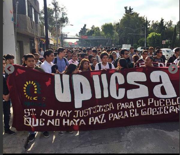 Irais Rasgado (@iraisrs): Paro de 24 hrs dicen los alumnos del @IPN_MX por cambios en el reglamento 2014 http://t.co/uRcwR7EYAo