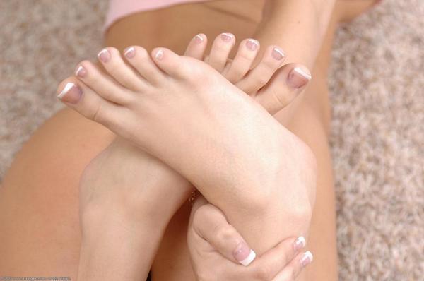 Ooh, #sexy #toes #feet #footfetish #tonguejob #toekiss #toelick #toesuck #hot #babe http://t.co/lFVw3XTvWg