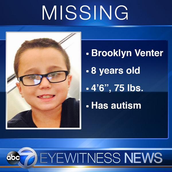 8 y/o boy with #autism missing from Skokie. RT to help bring him home! DETAILS: http://t.co/yxqaZuHwi1 http://t.co/buY16tjQfU