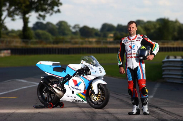 #IoMTT - Brucy with the @PadgettsRacing1 YZR. No competition on potential or looks! http://t.co/WTm3JJSGRg