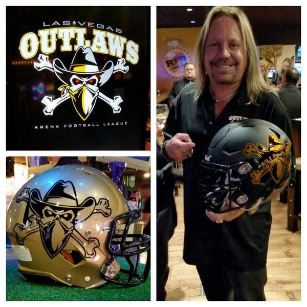 Owner @TheVinceNeil showing off his new team's colors at our sports book! Are you ready for the #LasVegasOutlaws? http://t.co/3hXaekN2PF