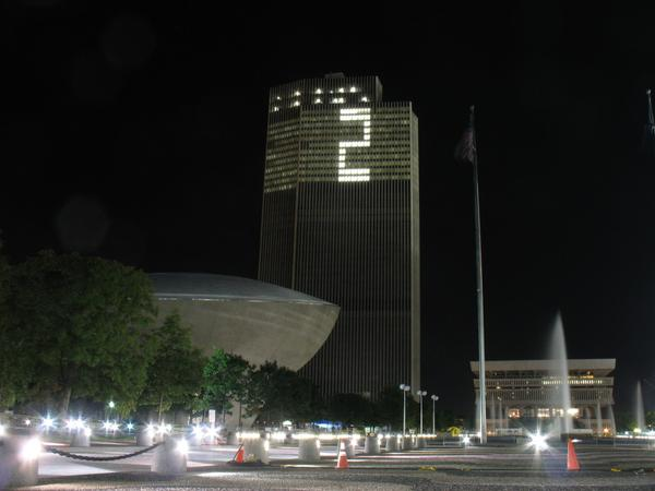 The Corning Tower's tribute to Derek Jeter tonight. http://t.co/MapRDK72RC