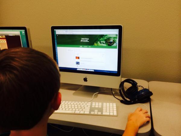 @lambert_kellie 5th graders Exploring Google Classroom! #slb5 #slb4 #reaganrays http://t.co/D0F8UbIFvW