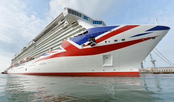 Absolutely beautiful. @pandocruises Britannia shows off its new colours at sea (Picture: James Morgan/P&O Cruises) http://t.co/8QiVG5GhOU
