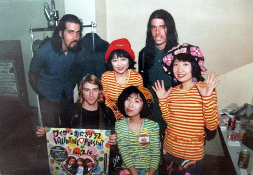 "Actual Cool Japan ""@HistoryImg: ニルヴァーナと少年ナイフ Nirvana & Shonen Knife http://t.co/ql6RLNEi7G http://t.co/GtZhncZfMd"""