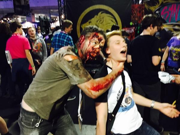 Just @NitroLukeDX casually getting attacked today by a zombie in #EGX http://t.co/5fGnF5sEiT