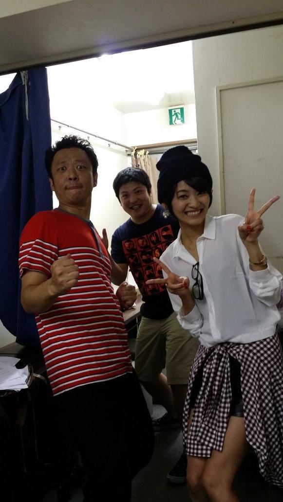 鎧武終了!! いやはや一年間通して凄い仮面ライダーだった。 写真は昨日の『YOSHIMOTO HERO TIME』ゲスト佃井皆美さん! 凄く細かったぁ~! いい人だったぁ。 また一緒に仕事したいなぁと思える方! ありがとうございました http://t.co/U9dFZQG87n