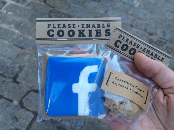 Traded all my personal data for a social media cookie at #PleaseEnableCookies by @risapuno #DAF14 http://t.co/il27O10p60
