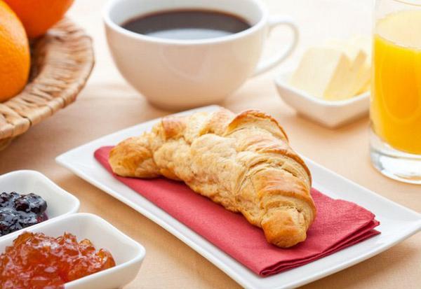 #صباح_الخير والنور والسرور نتمنى لكم يوم سعيد ومميز،،أعزائي يسعدني جدًا مشاركتكم صور افطاركم الشهي #مطبخ_قودي http://t.co/YZJ8U39kEv