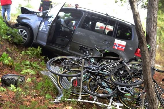 Picture from the crashed Norwegian team car. Norwegian coach in hospital #Ponferrada2014 http://t.co/J98dT6g9GB