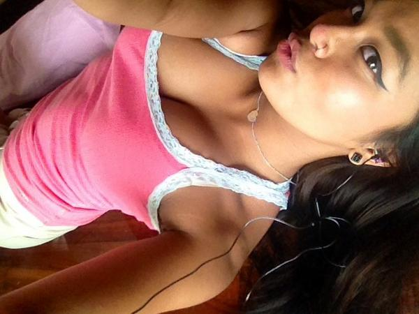 #SexySunday  Here's the yummy @TrippyTicha http://t.co/Z8nMjLDNuj