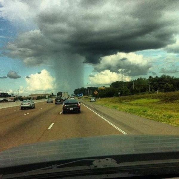 This is what isolated showers looks like: http://t.co/nfuhwVG4Y6