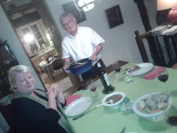 A table in Ouzouer with Pa-in-law @JBouessay et Michelle. Bon apetit!