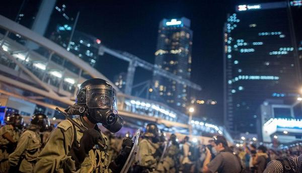 #China shuts down Instagram to prevent mainlanders from seeing images like this from Hong Kong http://t.co/dSEVPnWwc8 http://t.co/kOyqby0w2l