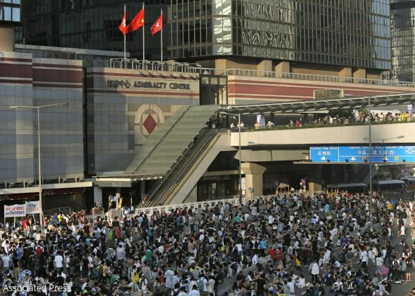 A photo roundup of #OccupyCentral: Hong Kong Protesters call for democracy http://t.co/ujvgh6WTvP #occupyHK http://t.co/726IQ3Vbua