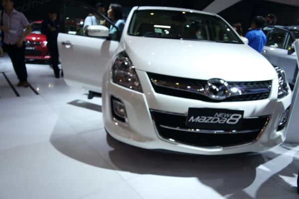 Ini Mazda 8 yang gagah banget. #tapiduitnyanggakada #mazda2alive @MazdaMotorID @MOTION975FM http://t.co/DKRRcAgcLF