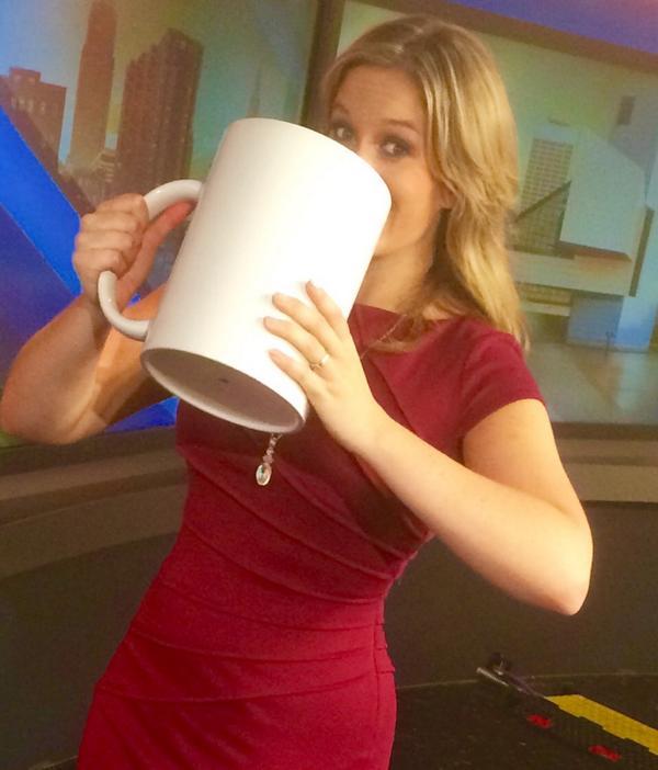 Jackie Zabielski (@JackieTraffic): Just celebrating national coffee day...#totallynormal #CoffeeDay http://t.co/1cPqbiqDfJ