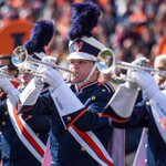 I-L-L!!! @MarchingIllini ranked in Top 10 of college marching bands http://t.co/JP5gG9irlt http://t.co/JkJBcD4hds