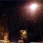 RT @newsvlru: Пока вы спали во Владивостоке выпал первый в этом сезоне снег. Не шутим! Даже ВИДЕО есть - http://t.co/lHGLdbAJfd http://t.co/fKW17ogzty