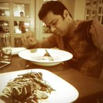 RT @aryayuyutsu: Always a grand time hanging out with @cricketaakash. Here he's analysing again. Delish dinner at #SmokehouseDeli http://t.…