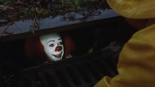 .@realDonaldTrump My uncle got stuck in a drain when teaching local kids to swim. Please RT to help him get rescued http://t.co/tdYZzoCtE1
