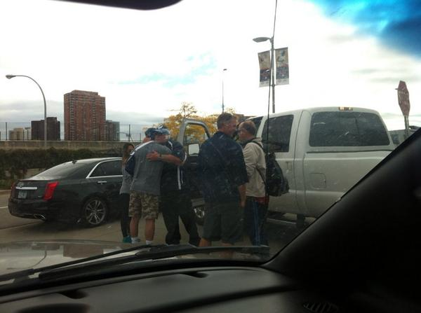 Plouffe blocking Gardy's exit from lot, grabs hug before Gardy drives away. #MNTwins http://t.co/np2jJtFhnA