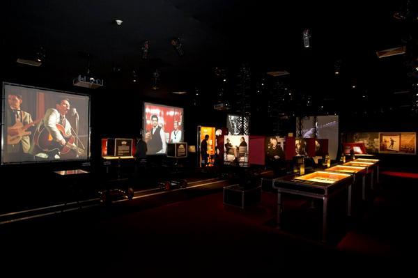 'Música & Cinema: O Casamento do Século?' no @sescpinheiros. http://t.co/L2Ion9UOIQ http://t.co/bAf8KDu6js