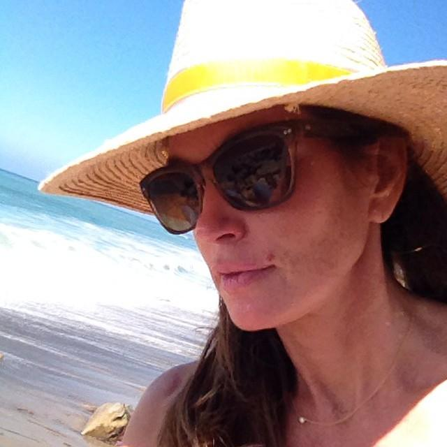 Cindy Crawford @cindycrawford: Checking out the surfers in my new SALT shades. http://t.co/NS9JPm509d