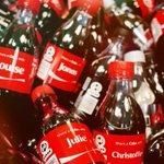 RT @BFMTV: Grâce aux prénoms sur les bouteilles, les ventes de Coca-Cola sont en hausse aux États-Unis http://t.co/Zql8AggWvG http://t.co/WPJymodpiy